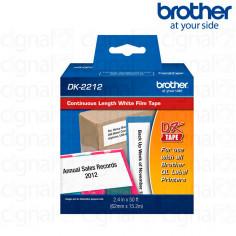 Cinta continua plástica Brother DK-2212 Negro/ Blanco 6.2 cm